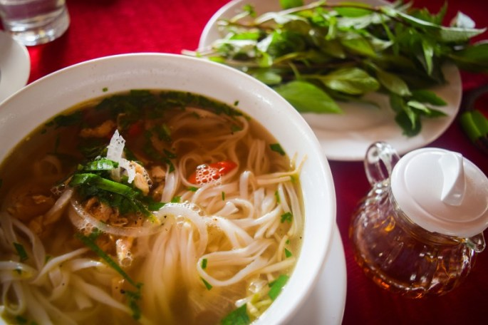 2015-vietnam-cooking-class-pho-table-spread